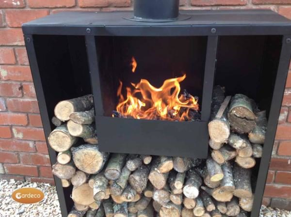 Eeron outdoor fireplace close up with fire